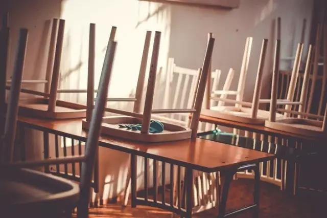 在这特别的日子里,华周测控向全国老师说声:您辛苦了!